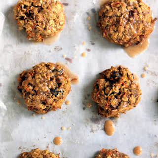Chewy Carrot Cake Oatmeal Cookies (made with coconut oil!).