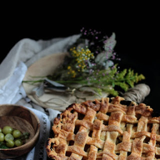 Gooseberry and Apple Pie