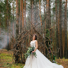 Wedding photographer Arina Markova (id7915216). Photo of 17.07.2017