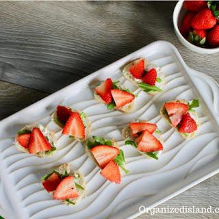 Simple Strawberry Goat Cheese Crostini Recipe