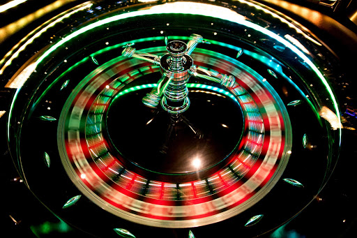 msc-magnifica-casino-roulette.jpg - Try your luck at roulette in the casino of MSC Magnifica.