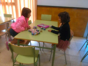 Photo: Acollida, jocs de taula