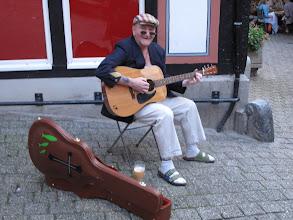 Photo: gesungen von diesem freundlichen Mann
