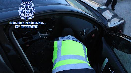 La Policía Nacional localiza en Almería dos vehículos sustraídos en Francia
