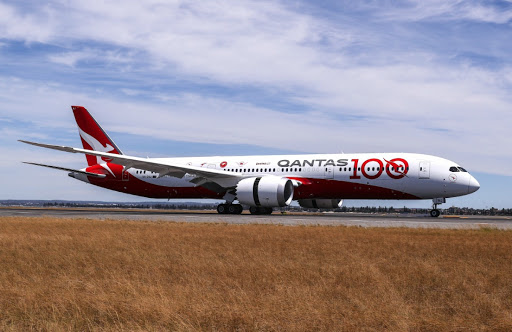 Qantas squeezes Airbus and Boeing over aircraft for ultralong nonstop flights