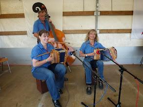 """Photo: Letzter Auftritt vom Trio """" Eggfluhe """" in der Chornschüüre. Am Örgeli Lucie Beer links und  Beatrice Tschümperlin, am Bass Werner Gisler.  Sie spielten einfach super!"""