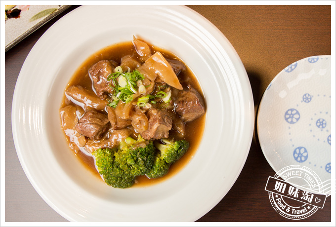 碳鰭家庭日式料理特製牛筋燒