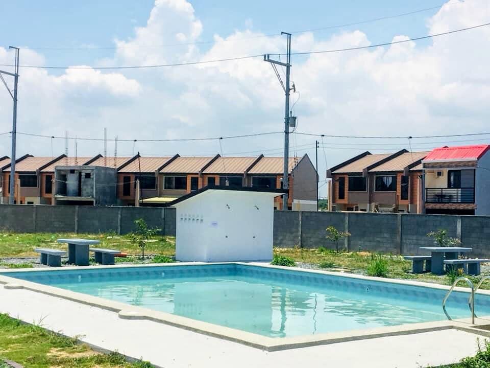 Urban Deca Homes Marilao, Bulacan pool