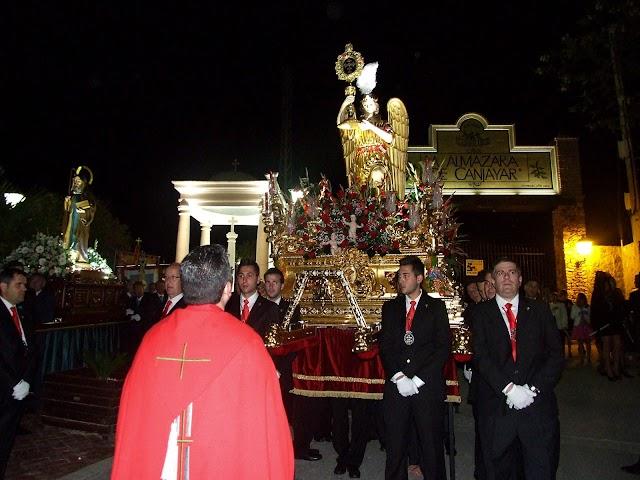 La Santa Cruz del Voto a su llegada a la Cruz Blanca.