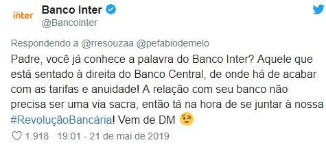 Resposta da agencia digital do Banco Inter, dizendo ao Fábio de Melo que o Banco Inter está sentado à direita do banco Central, oferecendo os serviços do banco de forma bem humorada.