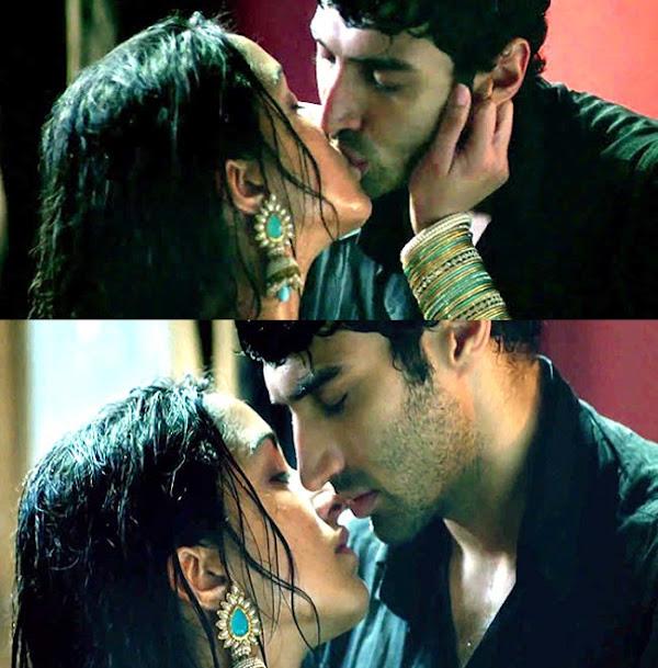 Shraddha Kapoor & Aditya Roy Kapoor Kiss in Aashiqui 2