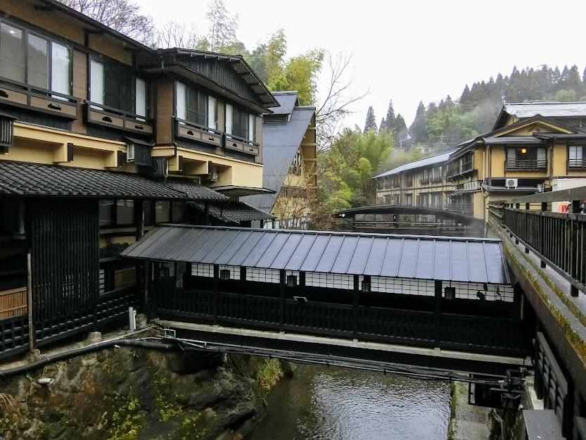 混浴内湯巡りが名物 熊本随一の温泉地『黒川温泉』