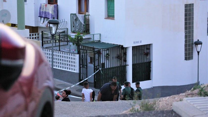 Cordón policial en el lugar del tiroteo la tarde del viernes