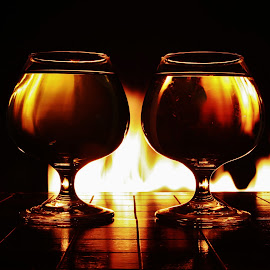 glasses in the flames by Peter Salmon - Artistic Objects Glass