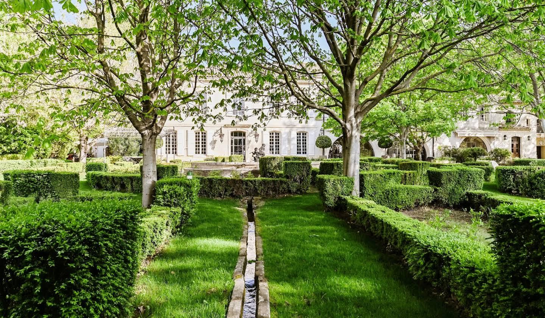 Propriété avec piscine et jardin Maussane-les-Alpilles
