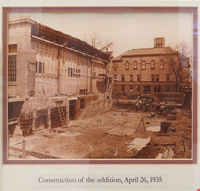 Downtown Urbana, IL post office construction, 1935
