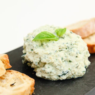 "Garlic Basil Vegan Ricotta ""Cheese"" Spread."
