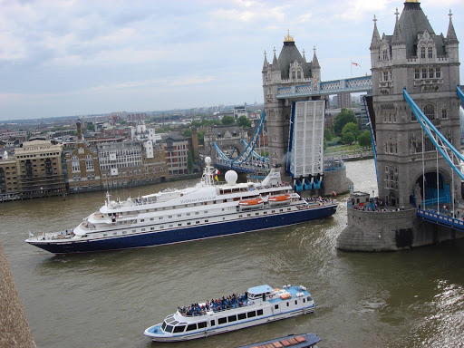 seadream-passing-under-tower-bridge.jpg - A SeaDream ship passes under Tower Bridge in London.