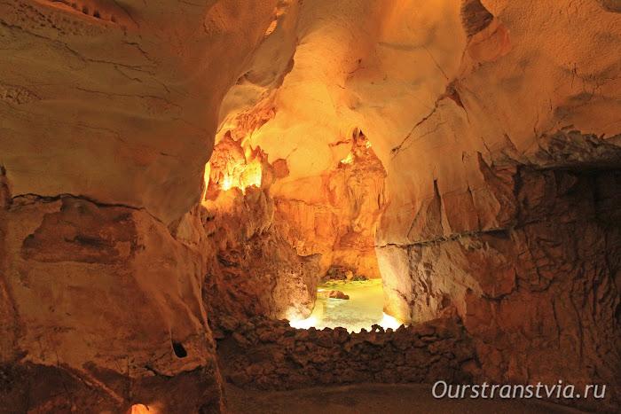Пещера недалеко от Лиссабона