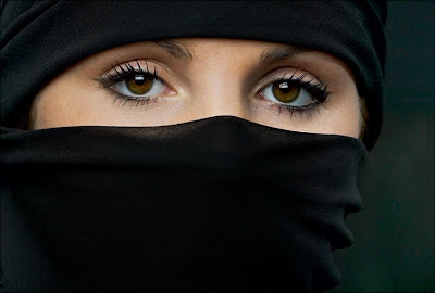 Mere eyes are enough to show the hidden beauty!