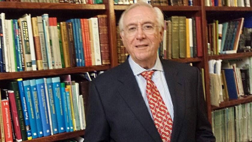 Blas Carrillo, médico ginecólogo, ha fallecido con 73 años.