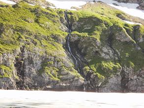 Photo: Cascade entre le Pic de Sernaille et l'Etang Long