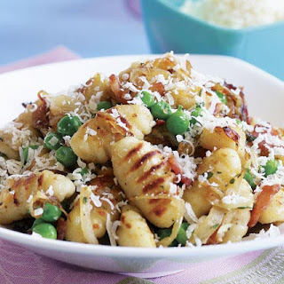 Pan-Fried Gnocchi with Bacon, Onions, & Peas Recipe