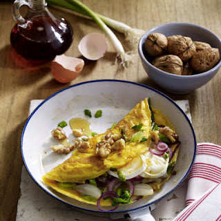 Omelette with Goat Cheese and Walnuts