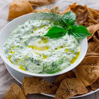 Tzatziki With Za'atar Pita Chips