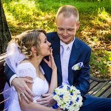Wedding photographer Alena Kalashnikova (Petisha). Photo of 05.03.2014