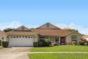 Orlando villa, close to Disney theme parks, south-facing pool deck, games room, peaceful community