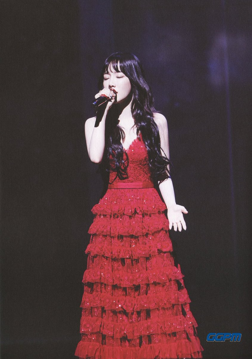 taeyeon gown 19