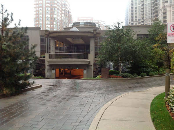 Oxford Furnished Apartments Mississauga