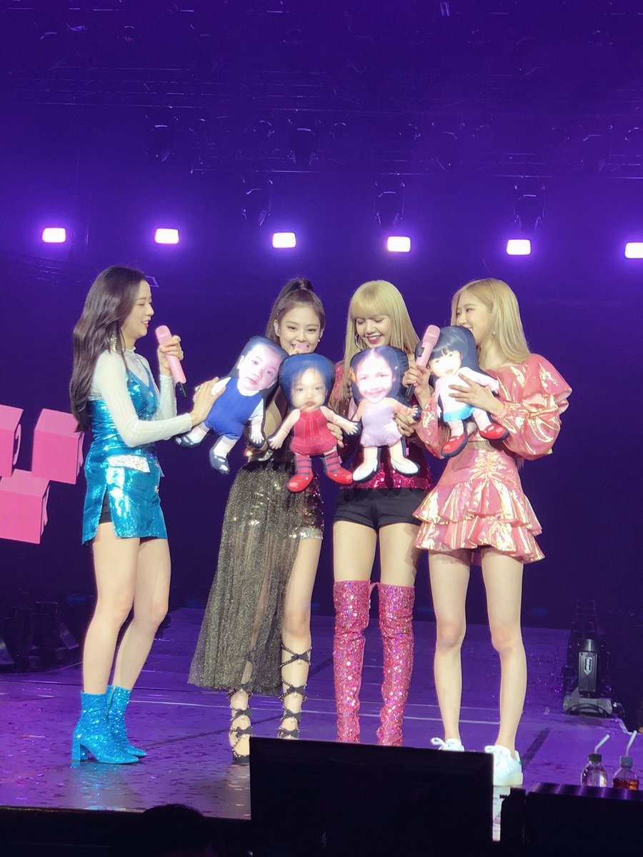 blackpinkcushions