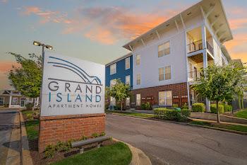 Go to Grand Island Apartments website
