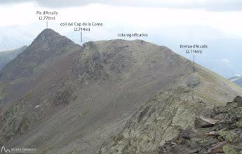 Photo: Continuamos nuestro recorrido por la Serra del Cap de la Coma en busca del pico d'Arcalís.