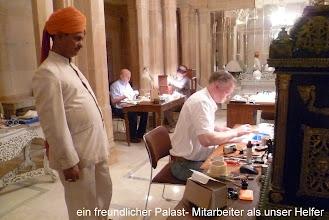 Photo: Neben unserer Uhrmacher- Tätigkeit (40- Std.- Woche) wurde uns ein interessantes Kulturprogramm geboten.