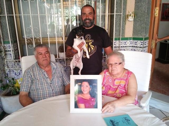 Antonio con sus padres, Miguel y Margarita.