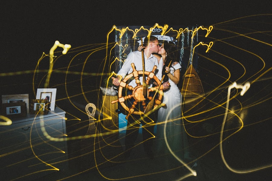 Wedding photographer Slava Semenov (ctapocta). Photo of 12.08.2014