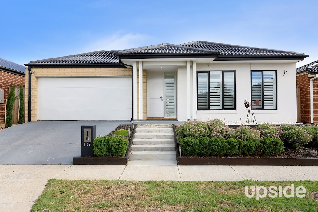 Main photo of property at 122 Grassbird Drive, Point Cook 3030