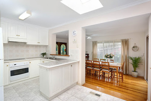 Photo of property at 2/11 Neilsen Crescent, Bundoora 3083