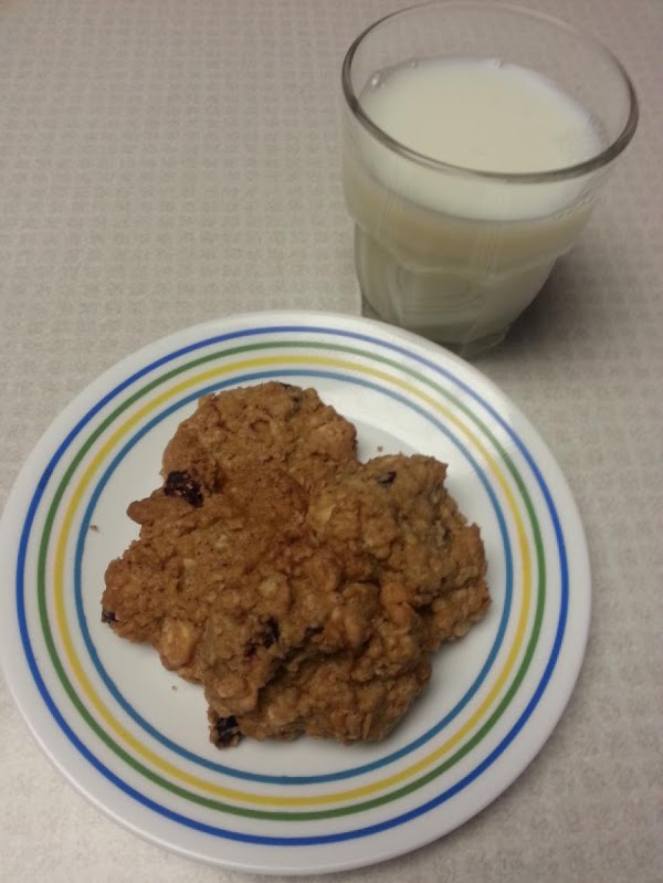 Amazing Cranberry White Chocolate Oatmeal Cookies Recipe