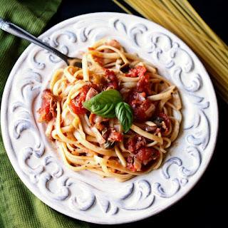 Linguine with Prosciutto Tomato Sauce