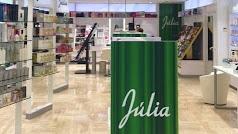 Perfumería Júlia se encuentra en el Paseo de Almería, 4.