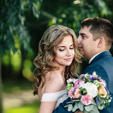 Wedding photographer Lena Volkova (lena). Photo of 24.07.2017