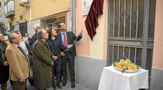 El Maestro Padilla ya tiene una placa en su casa natal