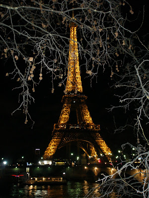 Dark night in Paris di ditta86