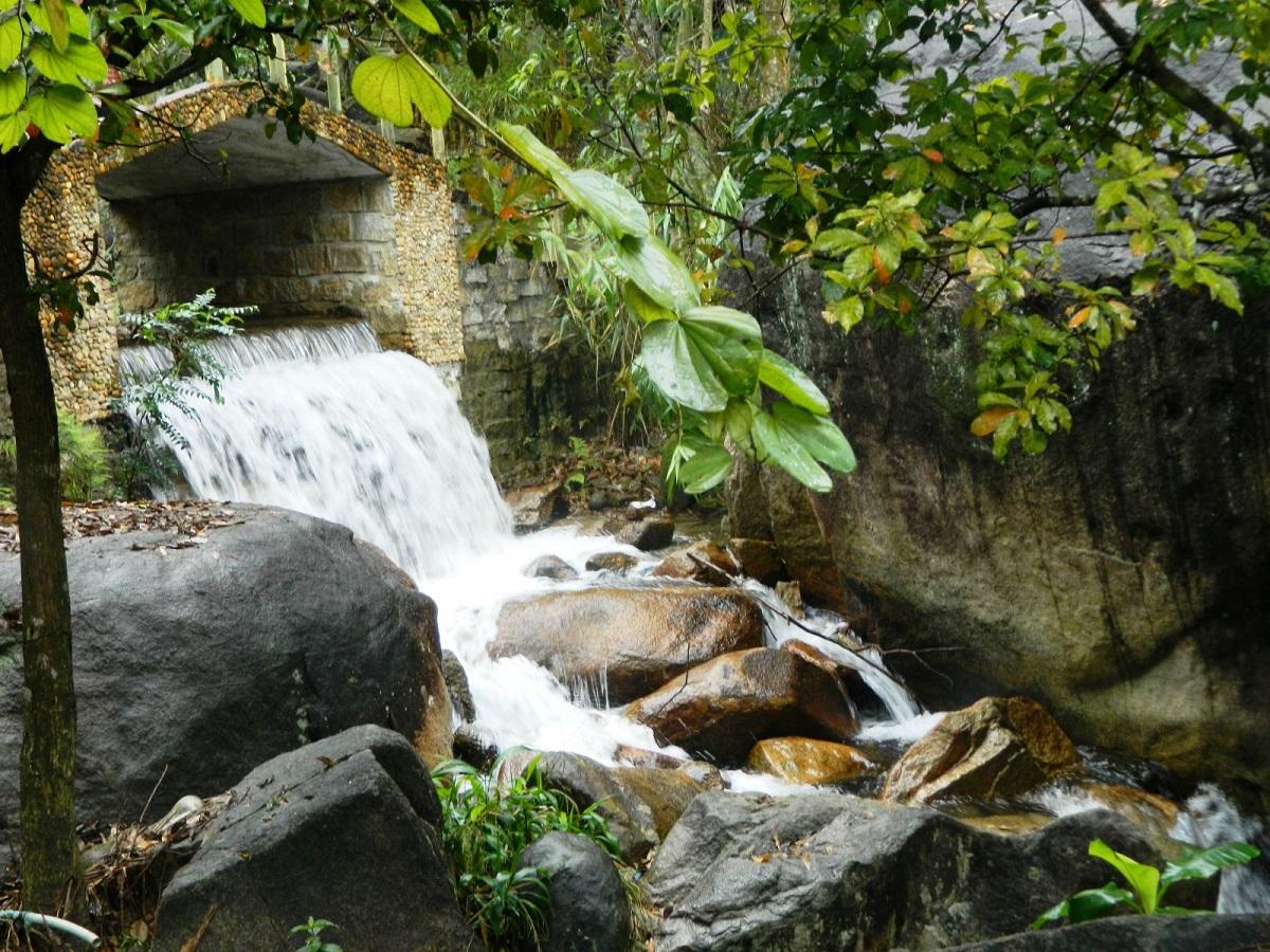 Thầy bùa yêu giỏi thường sống ở nơi rừng sâu, núi cao