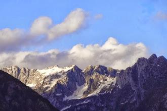 Photo: Die Berge um Bovec am Abend.