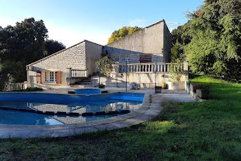 villa à Peyruis (04)